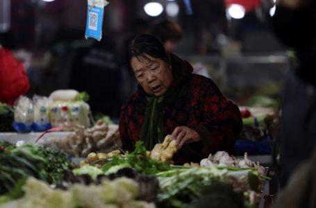 """اقتراض قطاع التجزئة في الصين """"يسقط من فوق الجرف"""" أواخر عام 2020"""