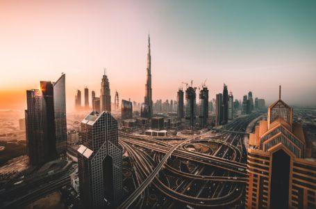 """سياسة ميزانية دبي تتحول إلى """"توسعية"""" بخطة قيمتها 15.5 مليار دولار"""