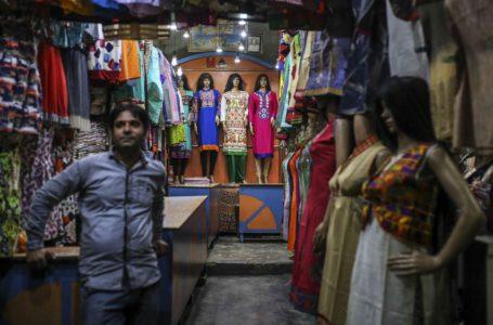 بيزوس مقابل أمباني ليس الصراع الوحيد في تجارة التجزئة في الهند