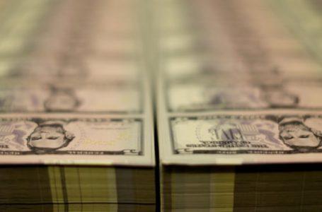 هيمنة الدولار الأمريكي تبدو هشة، هل نحن على وشك معايشة تحول في النظام النقدي الدولي
