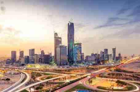صندوق الاستثمارات العامة السعودي يلتزم بدعم صندوق الخليج للبنية التحتية