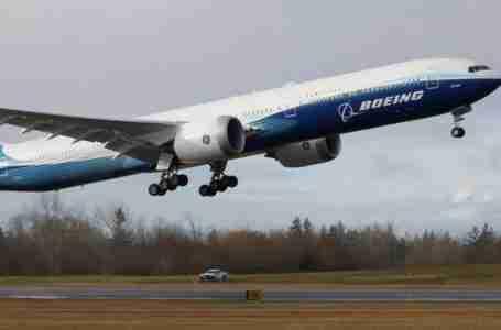 تحول بوينغ بعد أزمة ماكس 737 يهدد مستقبلها وسط منافسة شرسة