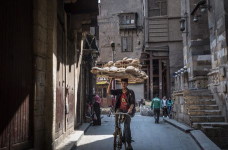 الزعيم المصري يحث على رفع أسعار الخبز وسط ارتفاع التكاليف