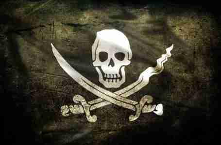 القرصنة ومخاطر السلامة تدفع لإعادة التفكير في الأمن لدى الشحن