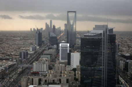 البنوك تدفقت على السعودية لكنها ما زالت تنتظر الثروات القادمة ورسوم الاكتتابات
