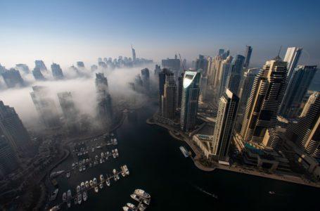 دبي تقلب الصفحة على كوفيد مع سوق الوظائف الأكثر سخونة في عامين
