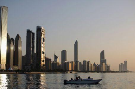دبي تفوت موجة الاكتتابات العامة الأولية التي تجتاح أبو ظبي والرياض
