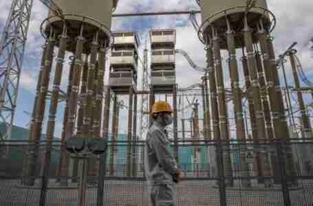 نقص الكهرباء في الصين: توقف الإنتاج الصناعي وتعطل إشارات المرور وسط التقنين