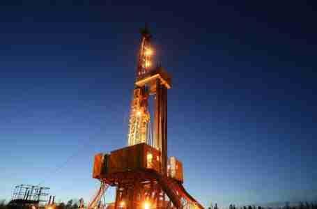 خفض السعوديون أسعار النفط لجذب المشترين حيث عززت أوبك بلاس الإمدادات